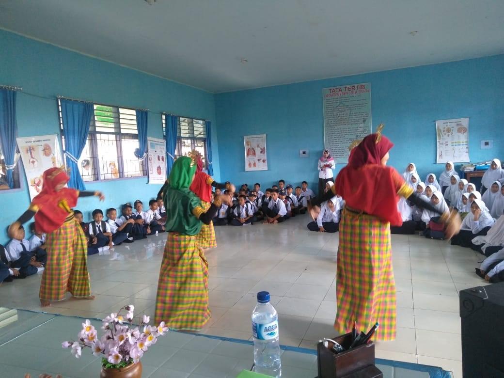 Penutupan Masa Pengenalan Lingkungan Sekolah (MPLS), SMPN 23 Menampilkan Tari SIPAKARAJA